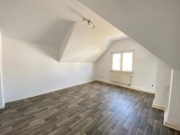 Komplett renovierte Dachgeschoss-Wohnung!, 44627 Herne, Dachgeschosswohnung